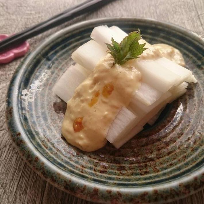 うどの味噌マヨ和え 塩みかん風味 完熟みかん
