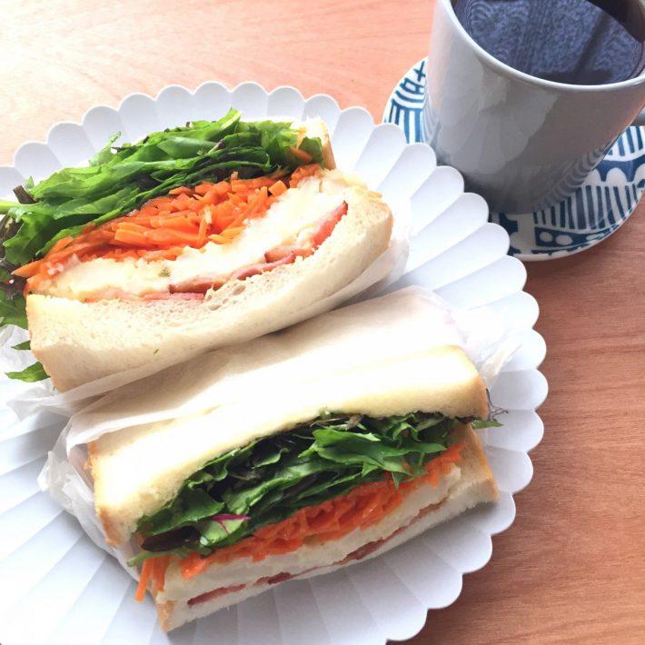 「野菜たっぷり厚盛りサンドイッチ 完熟みかん・青みかん
